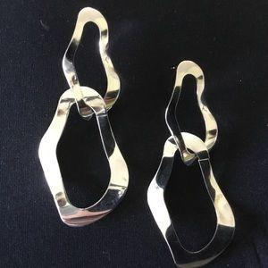 Jewelry - Free Flowing Fashion Earrings